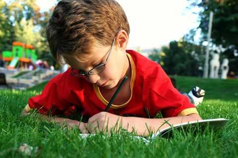 kids writing - boy writing