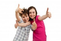 advantages to homeschooling - kids giving thumbs up