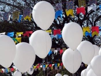 Carnival 14 - white balloons