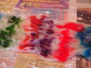 hand painting dyeing yarn